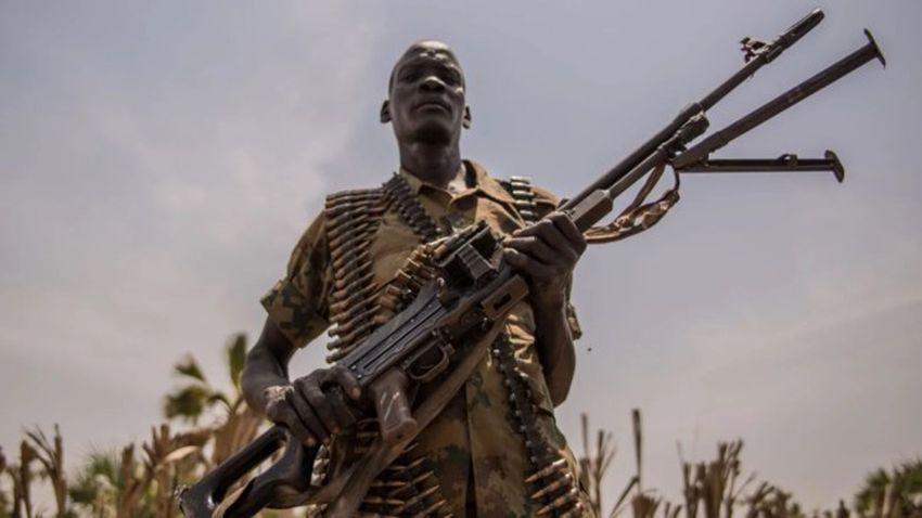 Sudan'da darbe girişimi! Askerler devlet televizyonunu kuşattı!