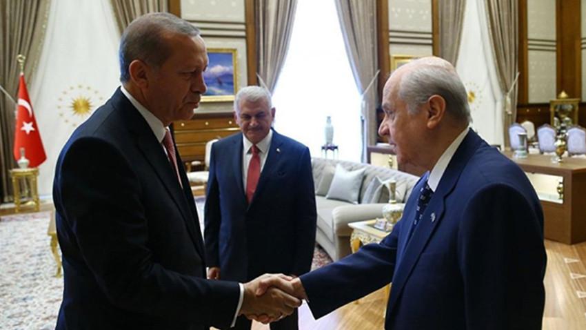 """Karar yazarı: """"Yeni siyasi masa Kürtler olmadan kurulamaz"""""""