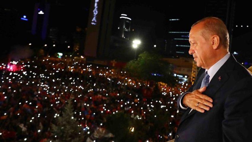 Erdoğan'a balkonda suikast mı düzenlenmek istendi?