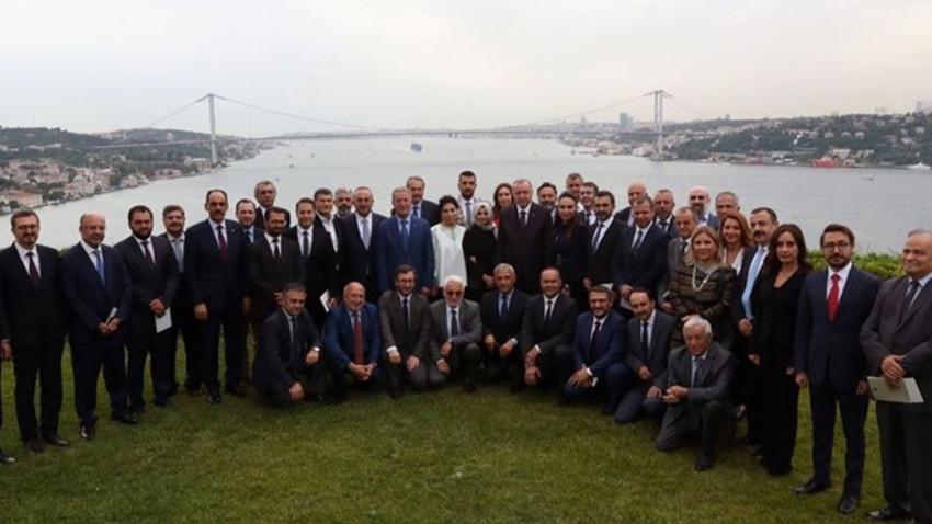 Erdoğan medya yöneticileriyle bir araya geldi