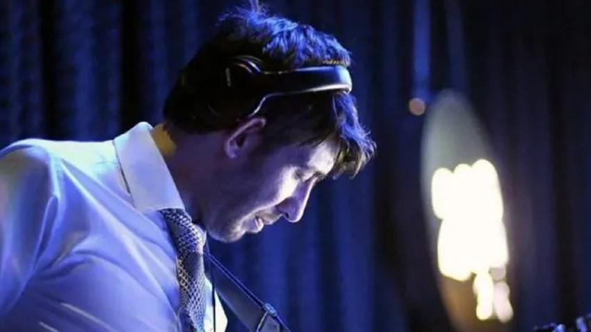 Ünlü müzisyen otel odasında ölü bulundu