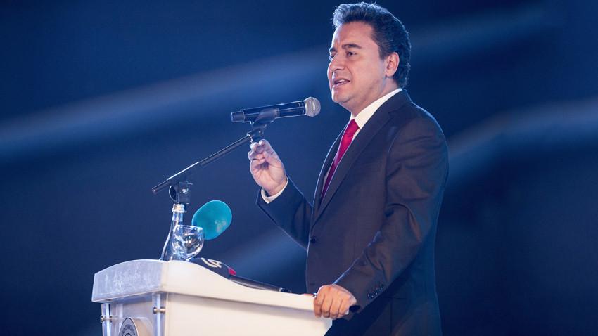 """Ali Babacan, yeni partiyi resmen duyurdu! """"Çalışmalara başladık"""""""