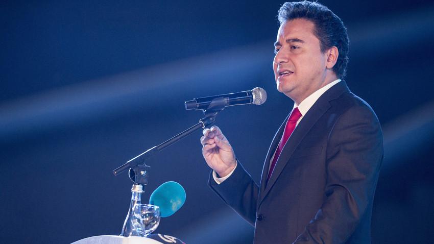 Ali Babacan yeni parti için tarih verdi! Gül ve Babacan yer alacak mı?