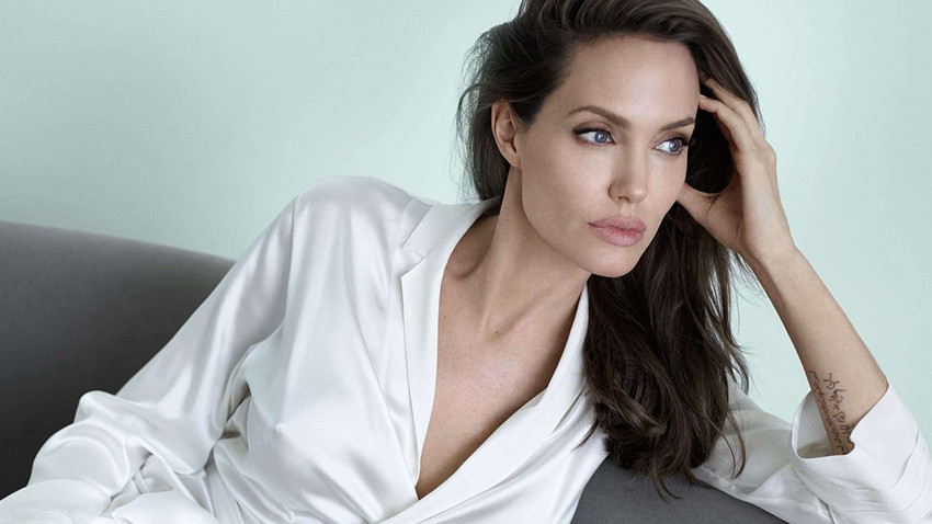 Angelina Jolie de Youtube kanalı açtı