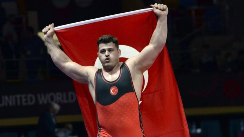 Rıza Kayaalp dördüncü kez Dünya Şampiyonu!