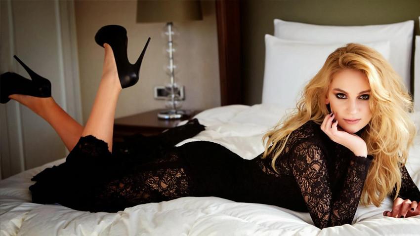 Farah Zeynep Abdullah hangi ünlü oyuncuyla aşk yaşıyor?