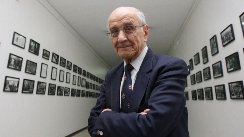 Hocaların hocası Prof. Dr. Mümtaz Soysal hayatını kaybetti!