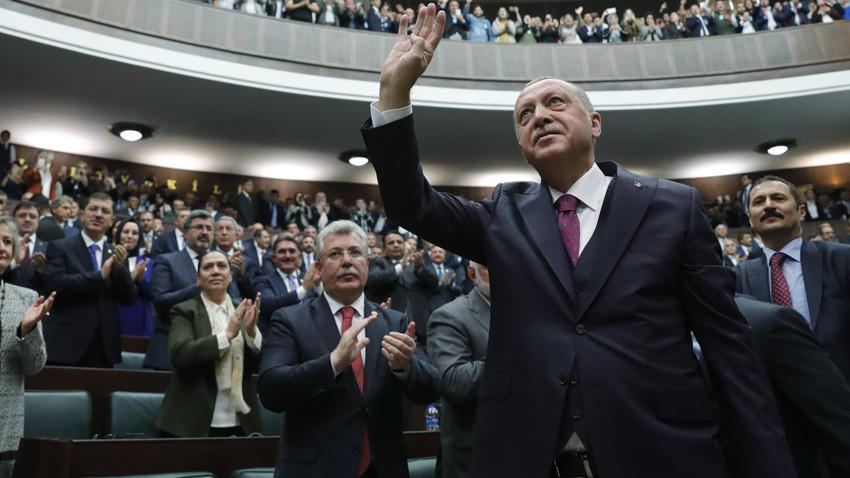 Erdoğan Genel Başkanlığı güvendiği bir isme bırakabilir!