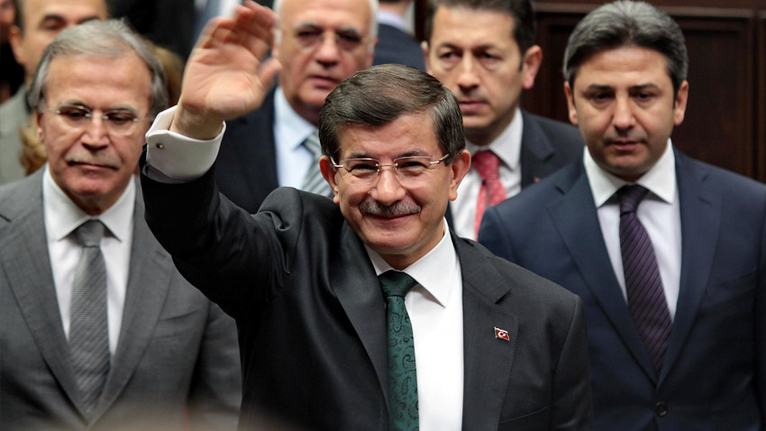 Davutoğlu'nun partisinde sürpriz isim!