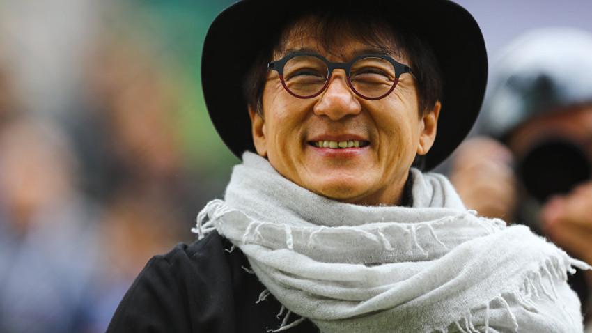 Jackie Chan'den koronavirüs hamlesi! Bulana 143 bin dolar verecek!