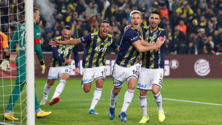 """Korona salgını Fenerbahçe'ye de sıçradı! """"Bir oyuncu ve çalışanda..."""""""
