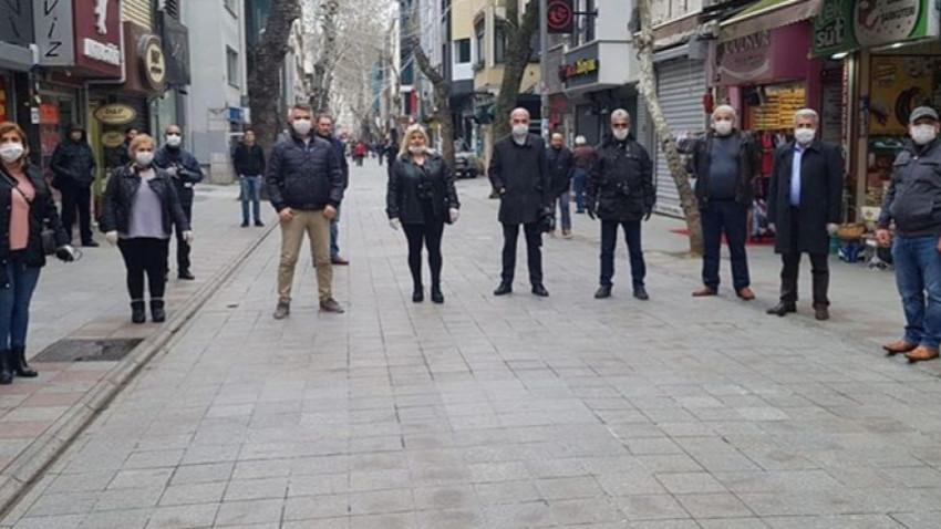 Kartallı gazetecilerden 'Evde Kal' eylemi