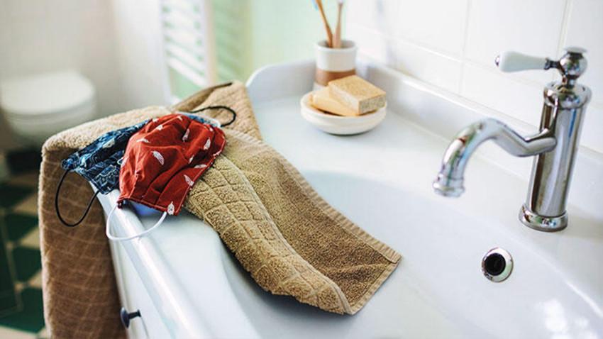 Maskeler yıkanarak tekrar kullanılabilir mi? Uzmanı cevapladı...