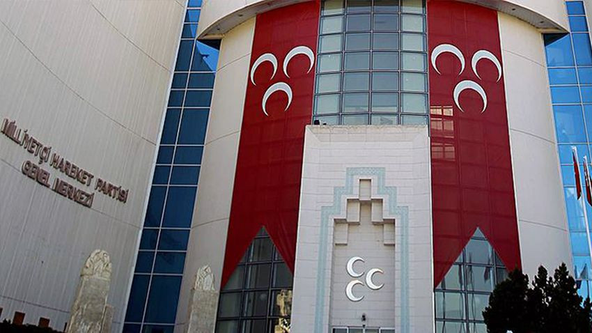 MHP'li belediye başkanına partisinden şok karar