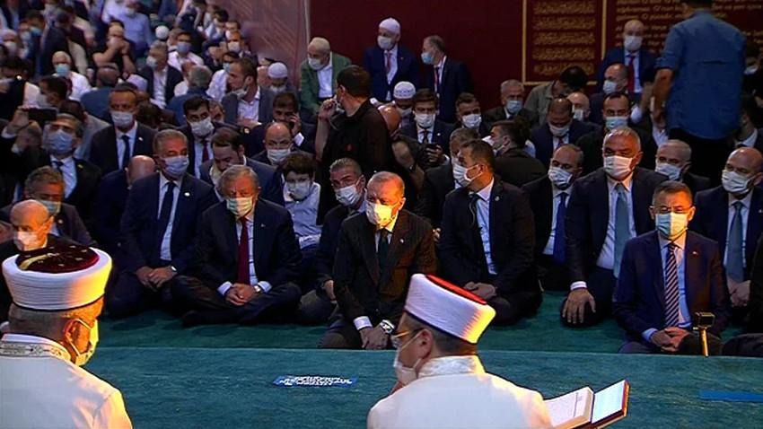 Ayasofya'da 86 yıl sonra ilk namaz! Cumhurbaşkanı Erdoğan da camide...