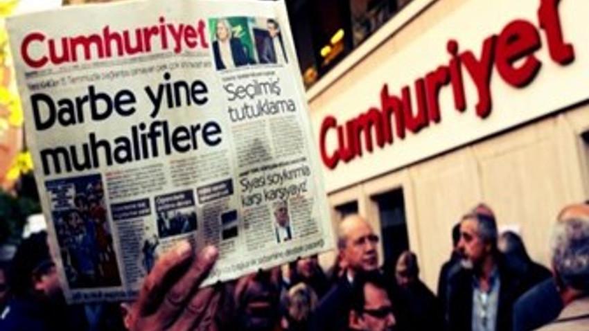 Gazeteciler Cumhuriyet için Haber Nöbeti tutacak!