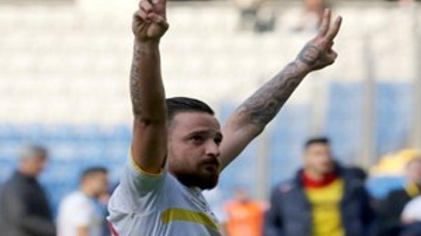 Amedspor oyuncusu Deniz Naki'ye 12 maç ceza