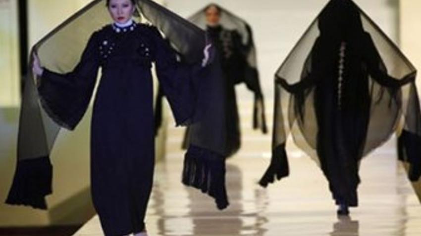 fd6fb0ac32ede Muhafazakar Moda Haftası'na o gazeteden tepki: Tesettürün içini  boşalttılar, modanız batsın!