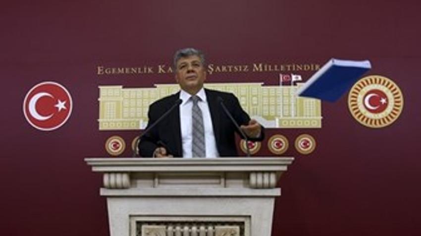 """Mustafa Balbay'dan Cumhuriyet ve Sözcü tepkisi! """"Kabul etmiyorum"""" dedi, yere fırlattı!"""