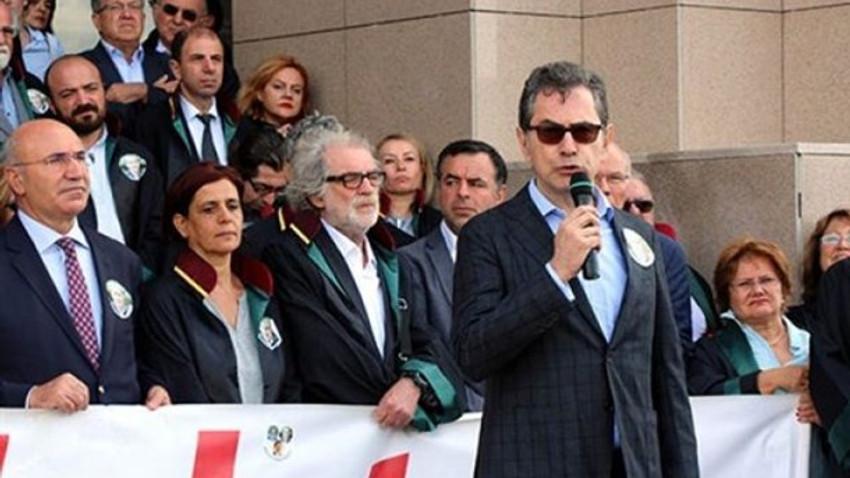 Kadri Gürsel, Adalet Nöbeti'nde konuştu: Çürümediğimizin kanıtı olarak buradayım!