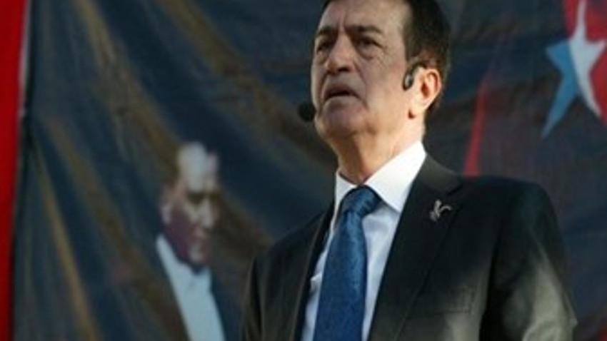 Osman Pamukoğlu'na yasağa kızdı, Hulusi Akar'a çattı: Efsane bariyerle olmuyor, kariyerle oluyor