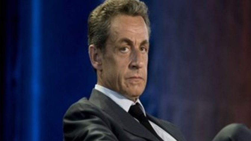 Eski Fransa Cumhurbaşkanı Sarkozy gözaltına alındı!