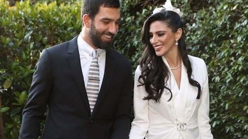 Arda Turan'ın eşi Aslıhan Doğan 3 aylık hamile mi?