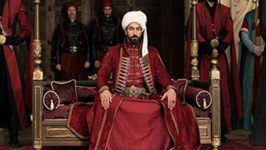 """Milliyet yazarından """"Mehmed Bir Cihan Fatihi"""" eleştirisi: Zamanında çok yazdık!"""
