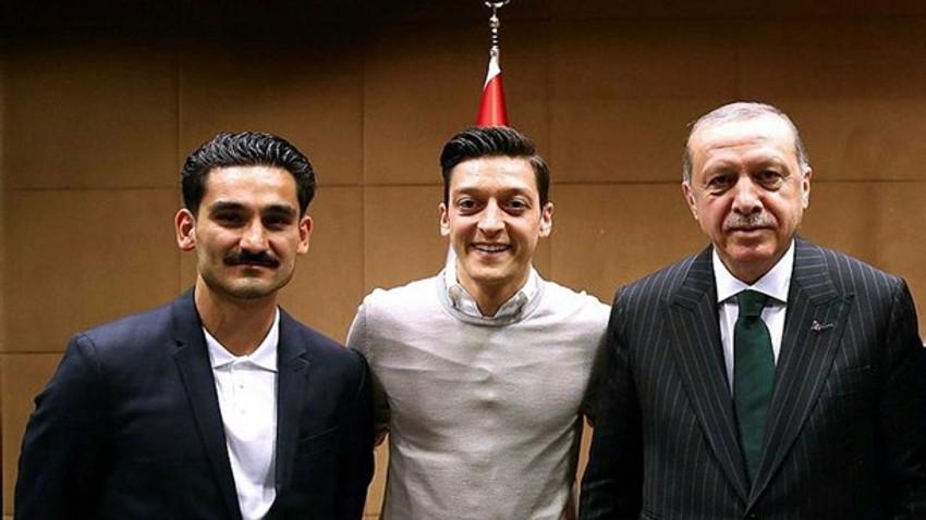 Mesut Özil Almanya milli takımını bıraktı: O fotoğrafı yine çektirirdim!