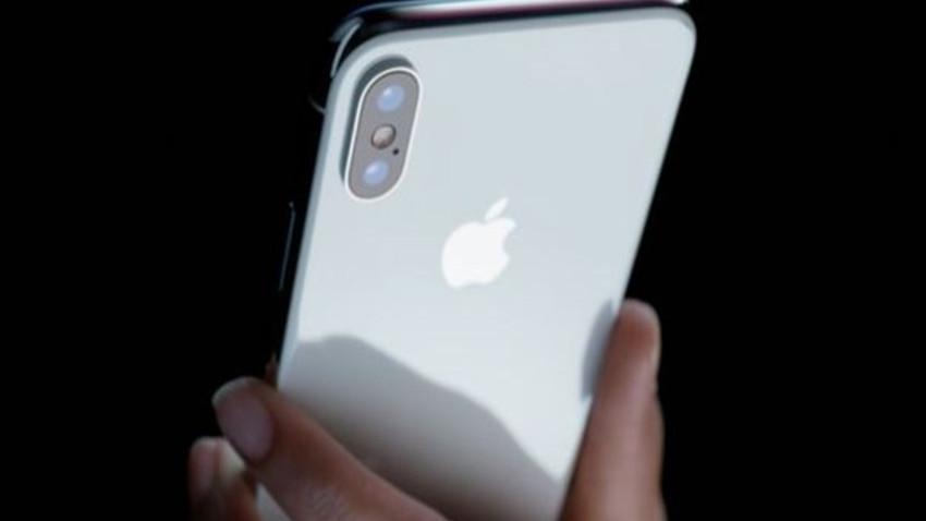 """Sabah yazarının sözleri olay olur!  """"iPhone'u sadece FETÖ'cüler kullanacak!"""""""