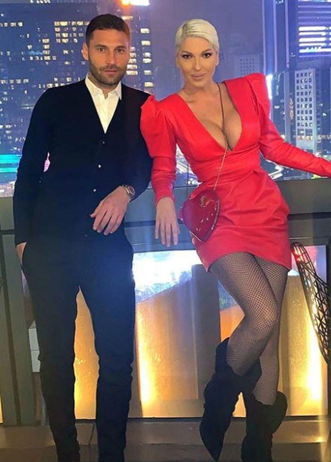 Skandal çift Dusko Tosic ile Jelena Karleusa aşk tatilinde! - Sayfa 1