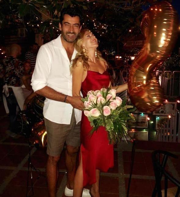 Ünlülerin 14 Şubat Sevgililer Günü paylaşımları - Sayfa 1