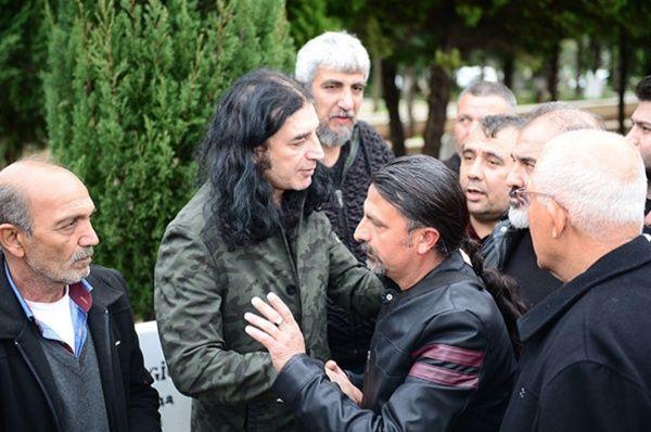 Murat Kekilli babasını gözyaşlarıyla uğurladı - Sayfa 2
