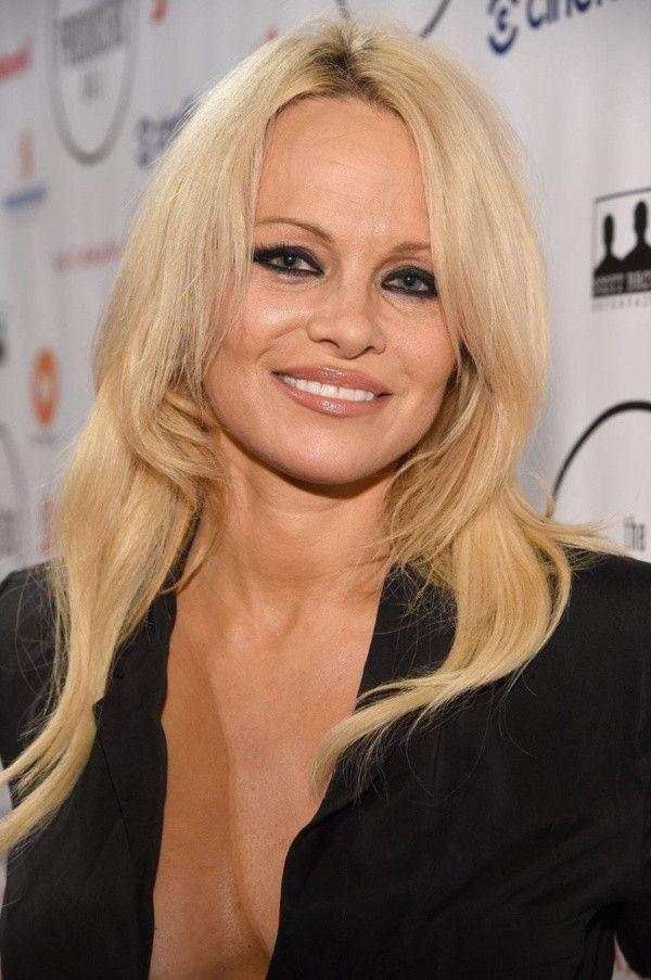 Pamela Anderson'dan Julian Assange tepkisi! - Sayfa 3