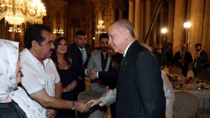 Erdoğan, sanat ve spor dünyasından isimlerle iftarda buluştu