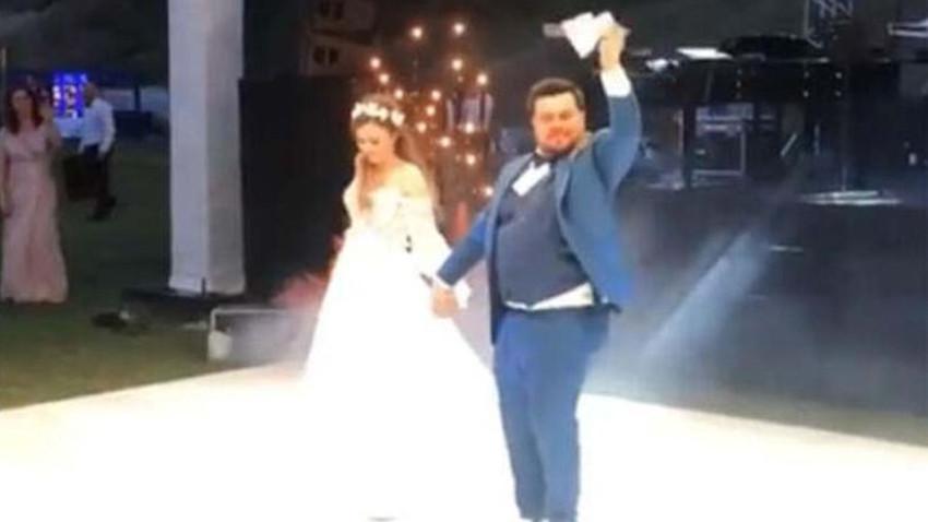 Eser Yenenler'den düğüne damga vuran dans