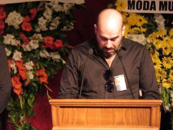 Enis Fosforoğlu'nun cenazesinde Hamdi Alkan ve eşinden skandal kare - Sayfa 2