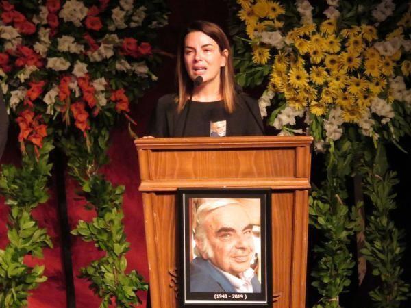 Enis Fosforoğlu'nun cenazesinde Hamdi Alkan ve eşinden skandal kare - Sayfa 3
