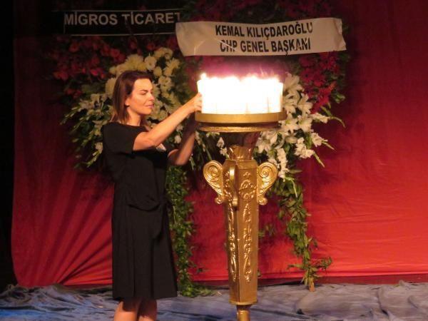 Enis Fosforoğlu'nun cenazesinde Hamdi Alkan ve eşinden skandal kare - Sayfa 4