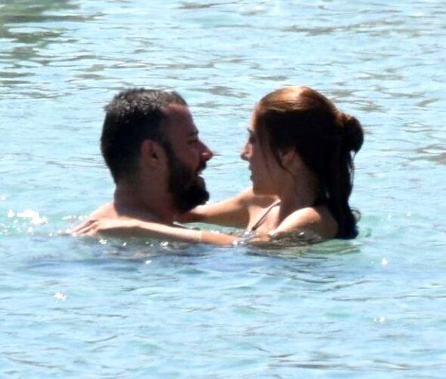 İstanbullu Gelin'in oyuncuları denizde aşk tazeledi! - Sayfa 1