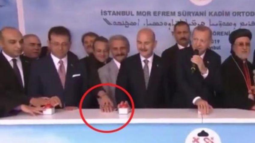 Egemen Bağış'ın buton sevdası sosyal medyayı salladı