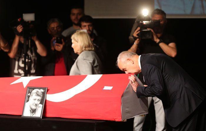 Gülenay Kalkan eşinin cenazesinde fenalaştı - Sayfa 3