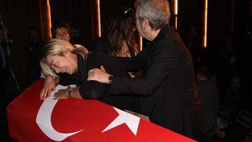 Gülenay Kalkan eşinin cenazesinde fenalaştı