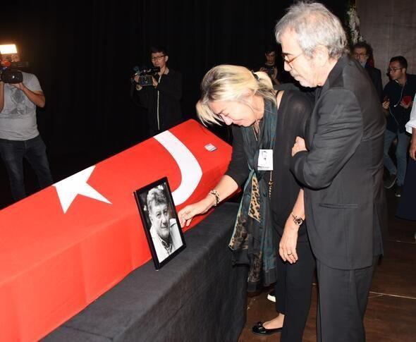 Tarık Ünlüoğlu'nun cenaze töreninde büyük ayıp! Selçuk Yöntem'in parasını çaldılar - Sayfa 4