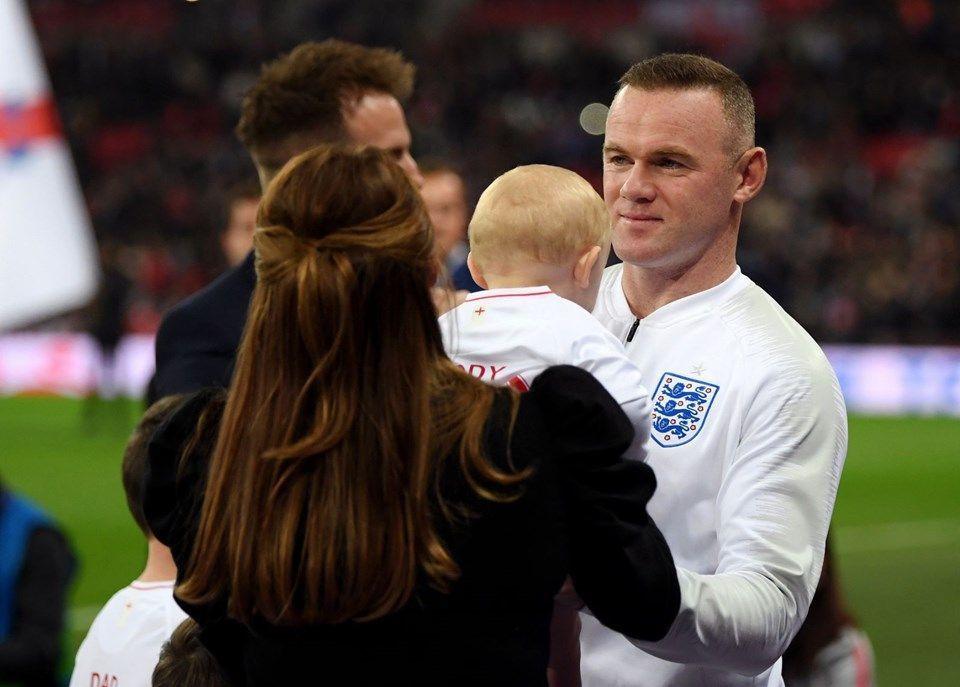 Rooney ve Jamie Vardy'nin eşleri fena kapıştı! - Sayfa 3