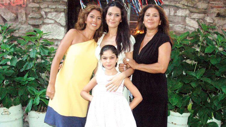 Zeynep Korel'den şoke eden açıklamalar: 30 yaşında annemden dayak yedim! - Sayfa 1
