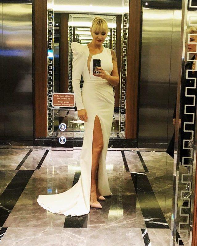 Pınar Altuğ yırtmaçlı elbisesiyle dikkat çekti! - Sayfa 3