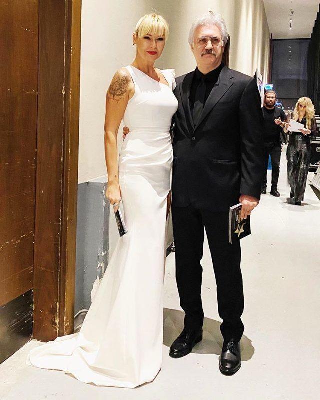 Pınar Altuğ yırtmaçlı elbisesiyle dikkat çekti! - Sayfa 4