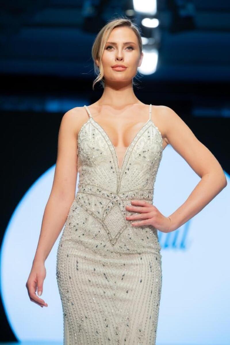 Serdar Ortaç'tan boşanan Chloe Loughnan hangi ünlü isimle aşk yaşıyor? - Sayfa 2