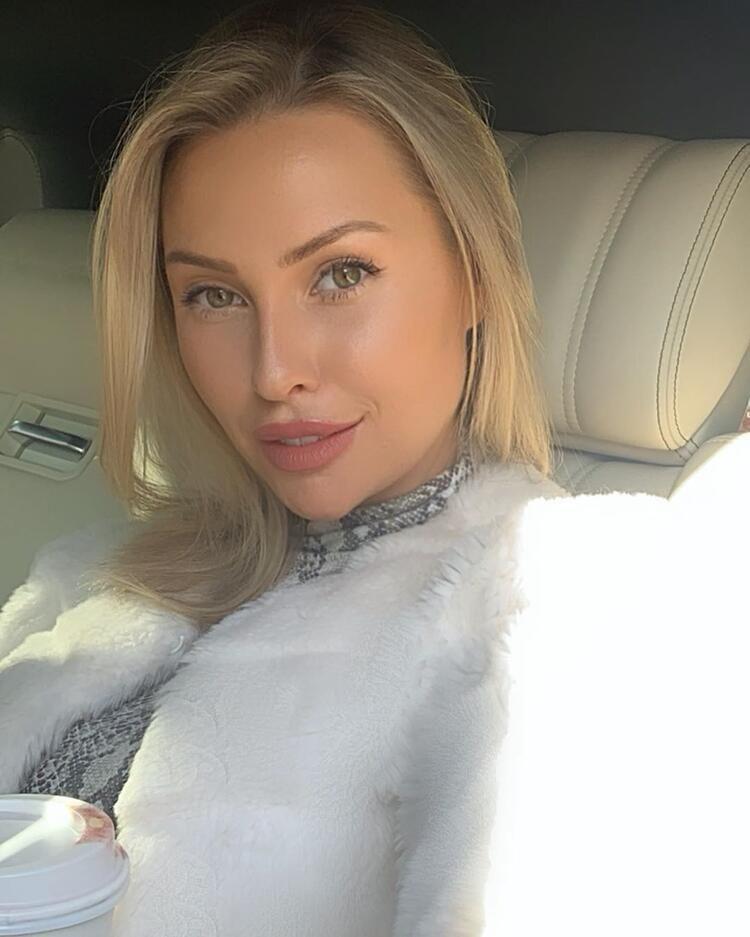 Chloe Loughnan Instagram'da para basıyor - Sayfa 2